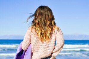 Foto ragazza e il mare